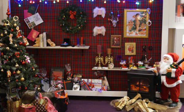 Holiday display inspiration offered by Scala